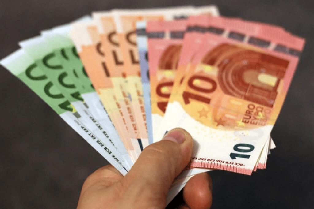 Ønsker du at låne penge hurtigt? Guide: Lån penge hurtigt i Danmark